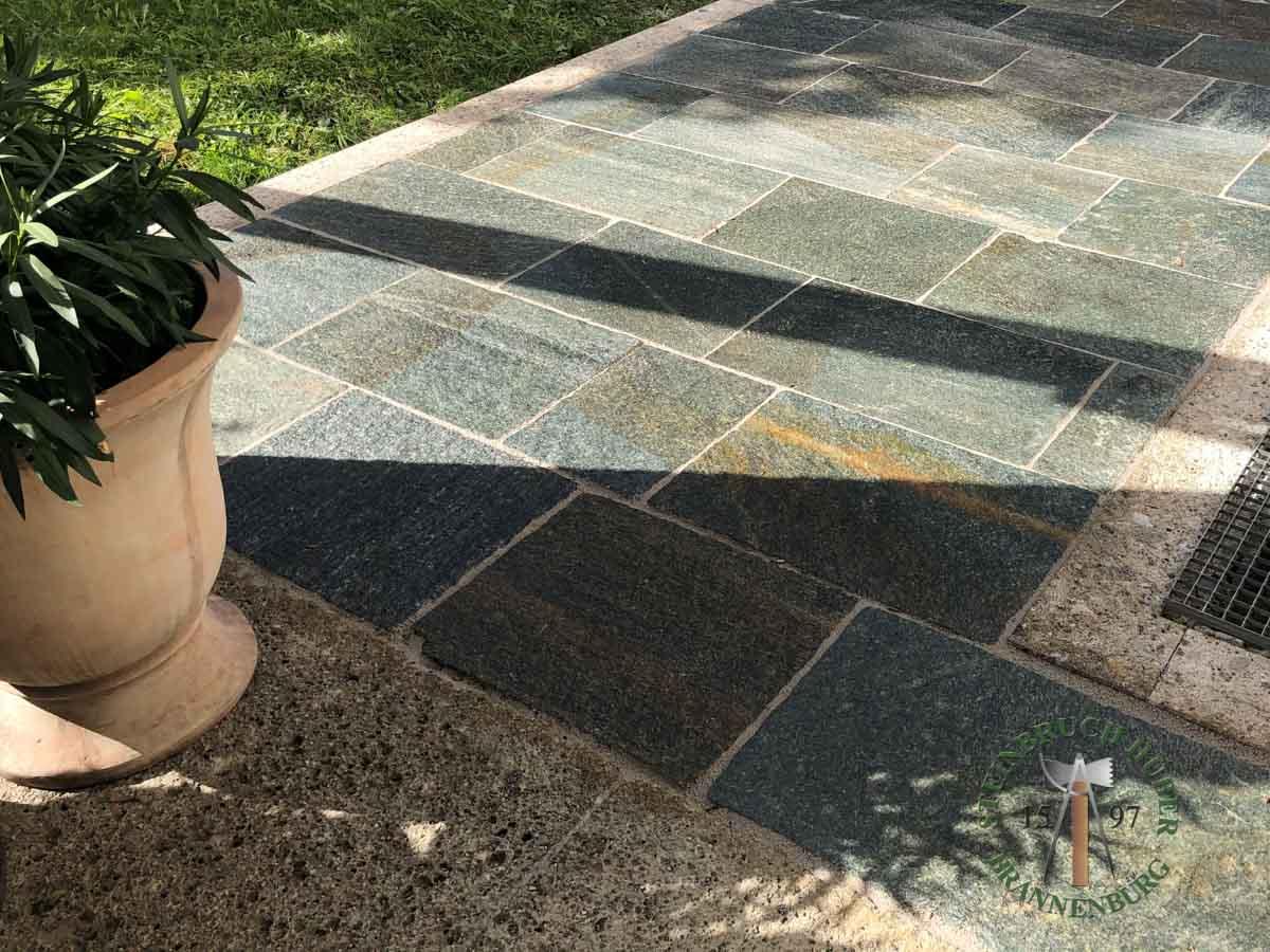 Bodenplatten - Gneis Bodenplatten San Marino 50-70 - Bpl-00042-06_02 - Steinbruch Huber
