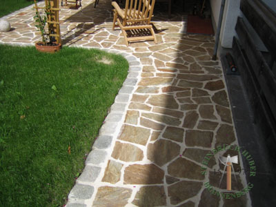Bodenplatten - Gneis Polygonalplatten Amalfi P - Bpl-00031-02_02T - Steinbruch Huber