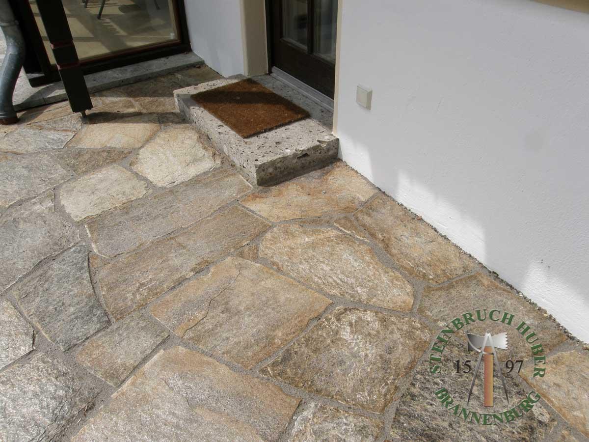 Bodenplatten - Gneis Trittplatten Amalfi P-XL - 03027-05_04 - Steinbruch Huber