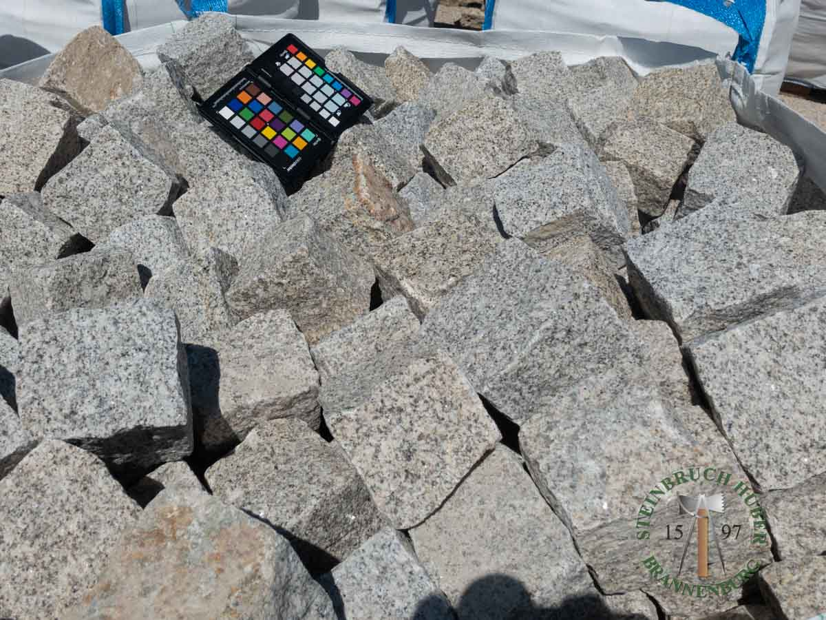 Kleinpflaster 8/11 - Granit Pflastersteine graugelb - 00076_01 - Steinbruch Huber