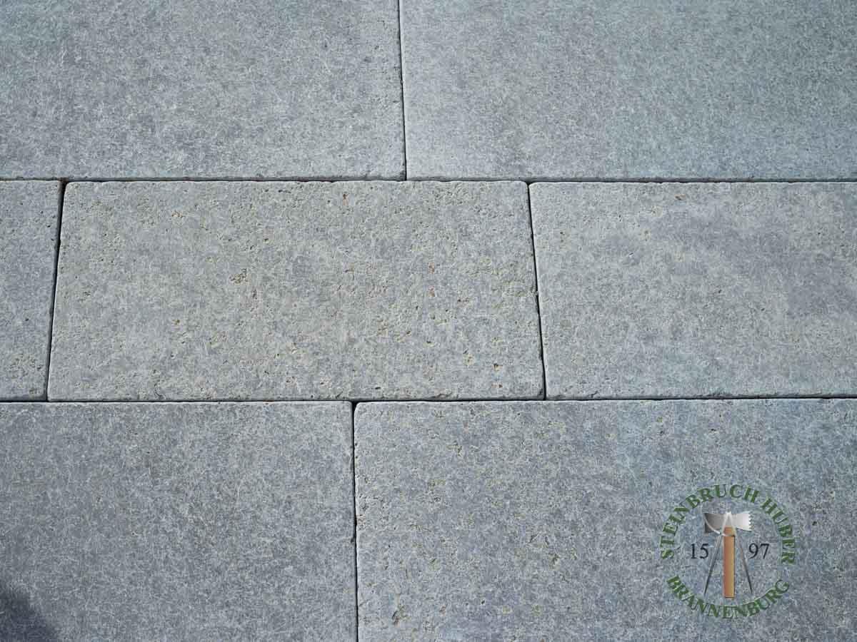 Bodenplatten - Muschelkalk Bahnen antik graublau - Bpl-00157-01_01 - Steinbruch Huber