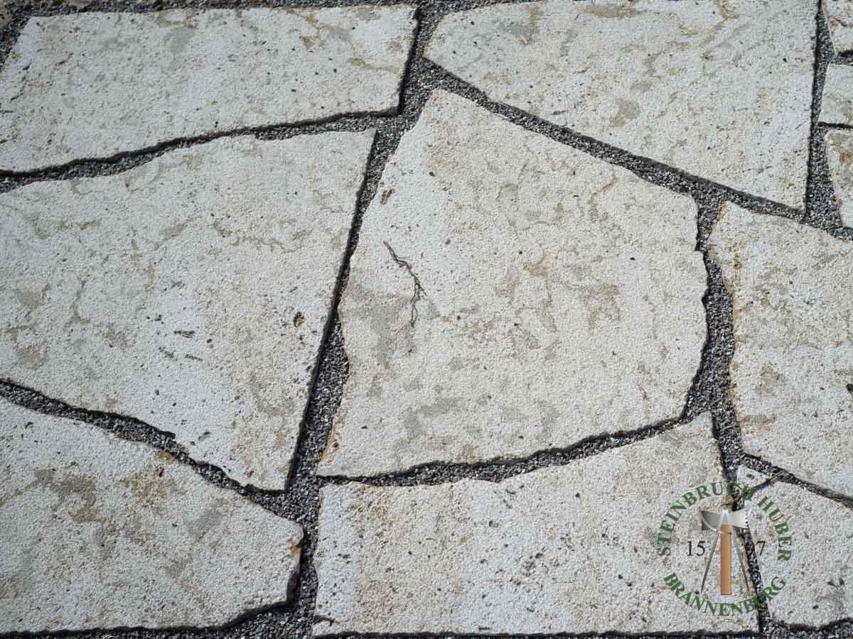 Bodenplatten - Muschelkalk polygonal gestockt - Bpl-00155-11_01 - Steinbruch Huber
