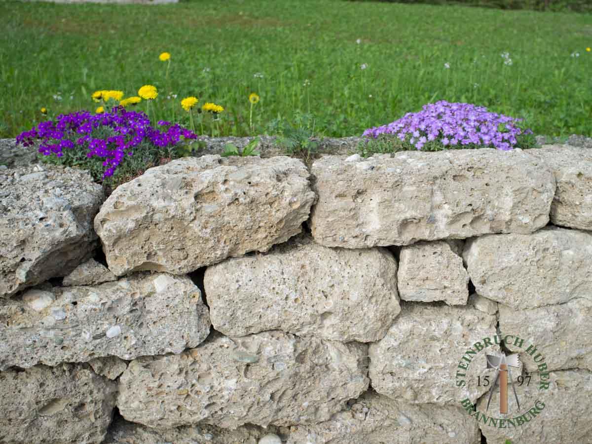 Mauersteine - Nagelfluh Mauersteine Petersberg F - 00014_04 - Steinbruch Huber